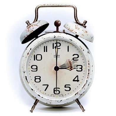 alarm-clock-2175382_640-1